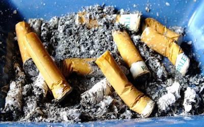 اب صرف 100 سال یا زائد عمر کے افراد کو سگریٹ پینے کی اجازت ہوگی، امریکہ میں قانون منظور ہوگیا