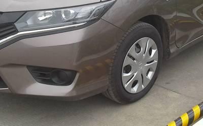 متحدہ عرب امارات نے گاڑیاں لاوارث چھوڑنے والوں کا 'علاج' ڈھونڈ لیا