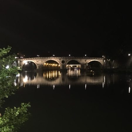 Roma lungo tevere, tevere roma, roma by night brideg