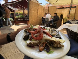 Raw seafood in Giovinazzo