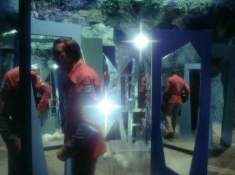 mirror76