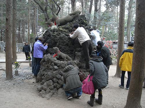 豊川稲荷の「霊狐塚」がすごい :: デイリーポータルZ