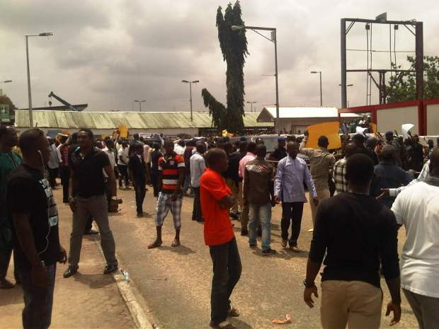 Anti-Amaech1-Airport-Protest3