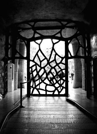 photo 101-architecture-monochrome