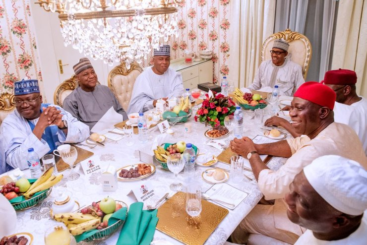 CHECK OUT!!! Saraki meets with Buhari in Aso Rock [PHOTOS] CHECK OUT!!! Saraki meets with Buhari in Aso Rock [PHOTOS] D6jPzd7WsAEbTN