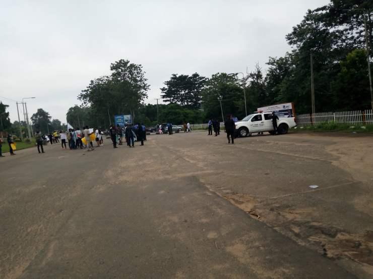 breaking: ondo youths shut down gov. akeredolu's office BREAKING: Ondo youths shut down Gov. Akeredolu's office E0E91151 8ABD 4B8C 904A 3A6A26893423