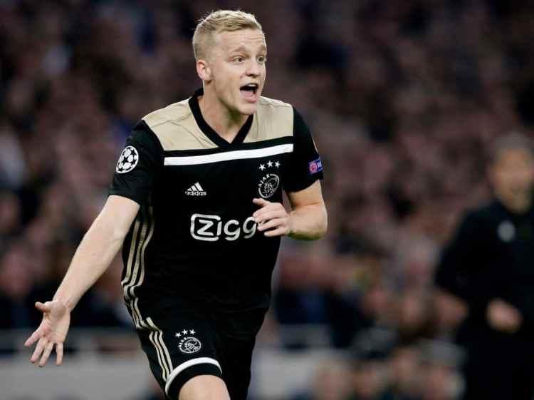 EPL: Ajax's Van de Beek pays tribute to Hakim Ziyech on Chelsea transfer 1