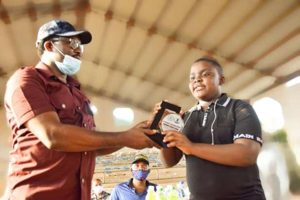 abia 2 - PHOTONEWS: Abia govt presents award to 11-year-old sports activities commentator, widespread presenter