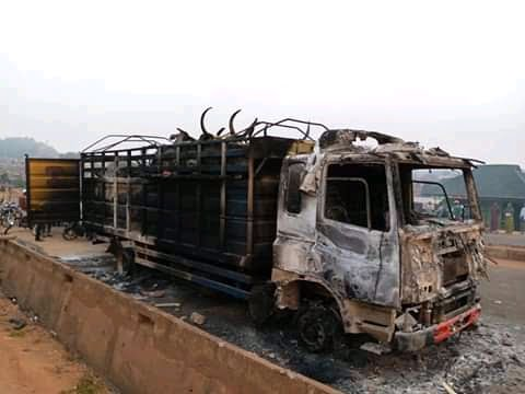 FB IMG 16104466604337946 - Angry mob set truck ablaze for allegedly crushing boy in Saki, Ogun [PHOTO]