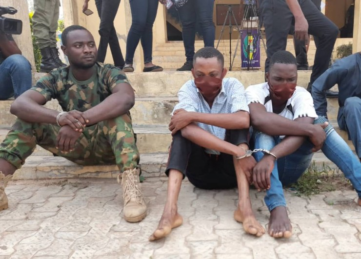 Serving soldier police constable nabbed for alleged armed robbery in Ondo, Serving soldier, police constable nabbed for alleged armed robbery in Ondo, Premium News24
