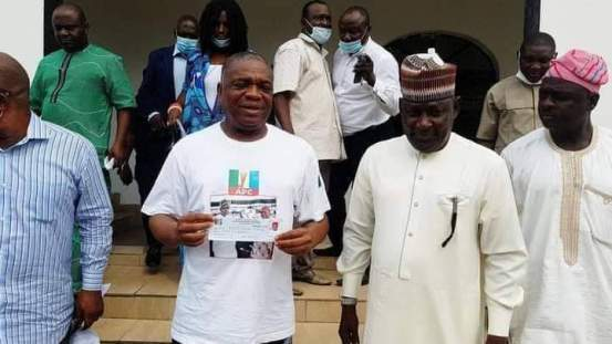 Abia: Major Senate whip, Orji Kalu revalidates APC membership