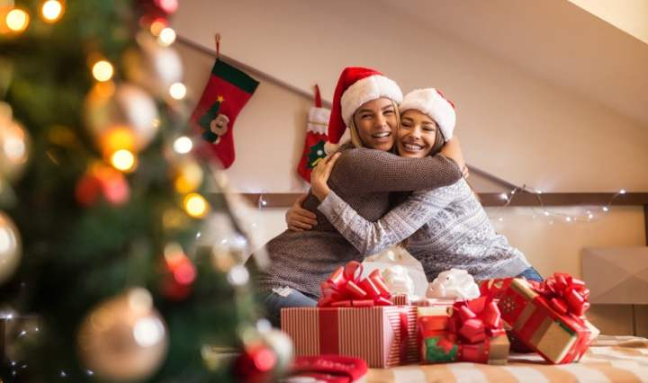 Why Christmas Week is Best Time to Rekindle Friendships - DailyPS