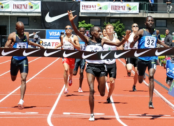Robinson, left finished 3rd and Symmonds was fourth at the 2008 Prefontaine Classic. (Randy Miyazaki / TrackandFieldPhoto.com)
