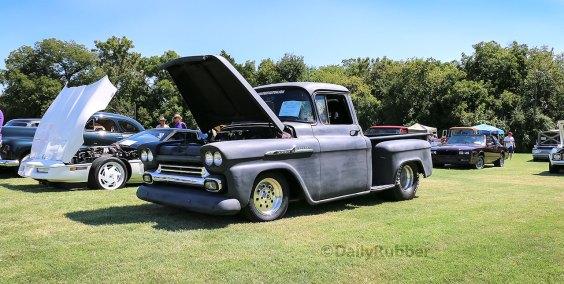 1958 Chevrolet Apache Stepside