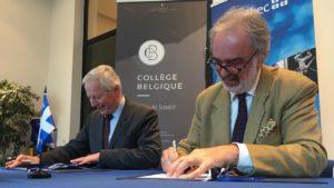 Robert Keating, sous-Ministre québécois (Ministère des Relations Internationale, à gauche) et le Pr Didier Viviers, Secrétaire perpétuel de l'Académie Royale de Belgique, signent le protocole d'accord concernant la Chaire du Québec.