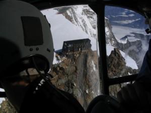 Acheminement du matériel par hélicoptère, Cabane Capanna Margherita - 4554 m, Mont Rose, Suisse