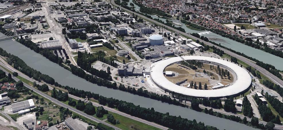 L'Institut Laue-Langevin pour la physique des neutrons est situé à Grenoble (France), juste à côté du grand synchrotron européen.