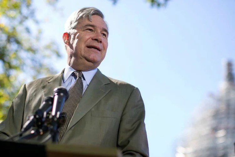 Sen. Sheldon Whitehouse, D-R.I., cites companies'  'enormous financial incentive to mislead.' (Photo: Al Drago/CQ Roll Call/Newscom)