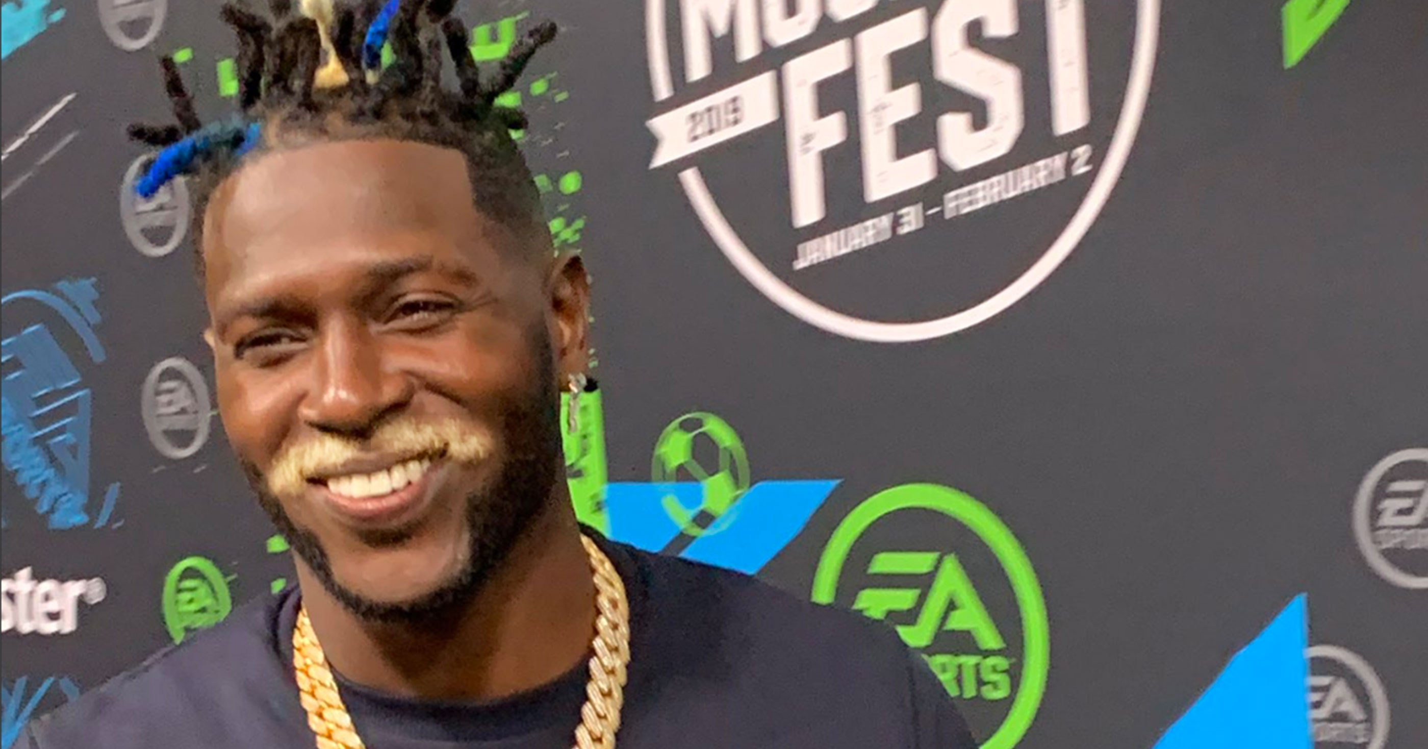 Antonio Brown Looks Completely Ridiculous In Atlanta For The Super Bowl VIDEOS