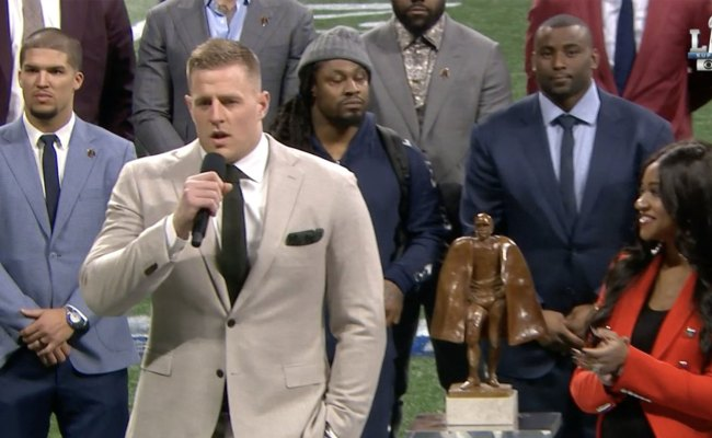 Marshawn Lynch Shows Up To Man Of The Year Award Ceremony