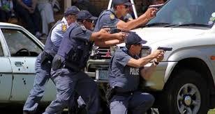 جنوبی افریقہ:لاک ڈاؤن کے خلاف ورزی پرپولیس نے ربر کی گولیاں برسا دیں