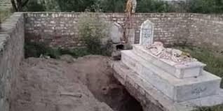 صوابیمیں نوادرات کی تلاش میں قبروں کی کھدائی کا انکشاف