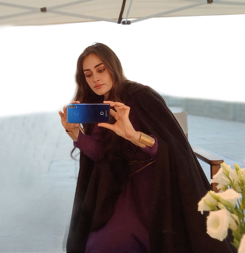 Photo of Esra Bilgic (Halima Sultan in Ertgrul Ghazi) becomes the Brand Ambassador for Q Mobile – Daily Times