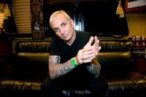 Father of mine · At age 47, Art Alexakis — lead guitarist and vocalist of the popular '90s band Everclear — is indifferent to success. Alexakis is the only remaining member of the Portland, Ore. band's original lineup. - Nathaniel Gonzalez | Daily Trojan