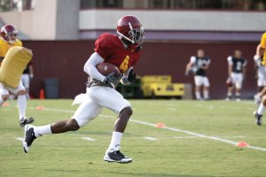 Back from injury · Although he said his ankle and hamstring were still sore, running back Joe McKnight returned to the practice field Wednesday along with Allen Bradford, who is recovering from a knee injury. - Mike Lee | Daily Trojan