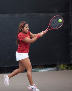You got served · Junior Sabrina Santamaria struggled mightily in this weekend's ITA National Indoor Tournament, going winless in singles play. - Ralf Cheung | Daily Trojan