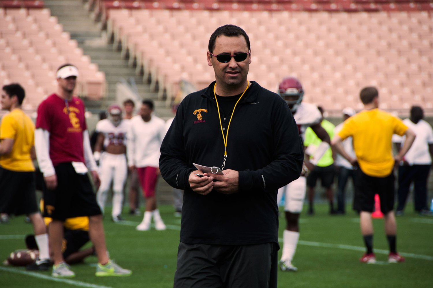 Sorry Sark · Head coach Steve Sarkisian issued an apology after using inappropriate langauge and exhibiting unsuitable behavior at an event on campus for alumni and donors over the weekend.  Mariya Dondonyan | Daily Trojan