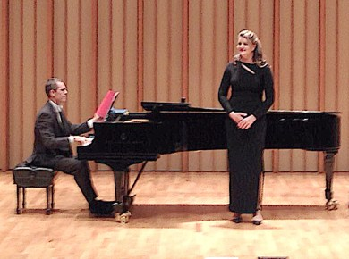 Opera, not Oprah · Yelena Dyachek, a graduate student in the Thornton School of Music, sings an operatic piece for her Metropolitan Opera Council auditions on Nov. 1. Dyachek sang selections from Mozart and Tchaikovsky. - Arya Roshanian | Daily Trojan