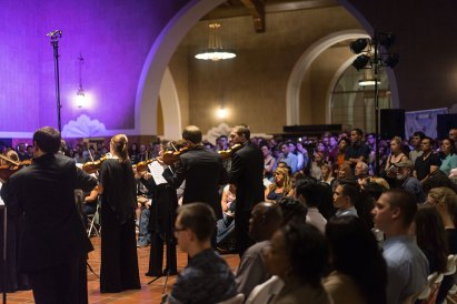 Super symphony · Fifteen students and alumni joined Kaleidoscope, a conductorless chamber orchestra based in Los Angeles. The group does not set ticket prices for its performances and is committed to music education by providing free concerts at schools, shelters and other public spaces.
