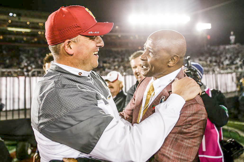 Clay Helton To Return As Usc Football Coach In 2019 Daily Trojan