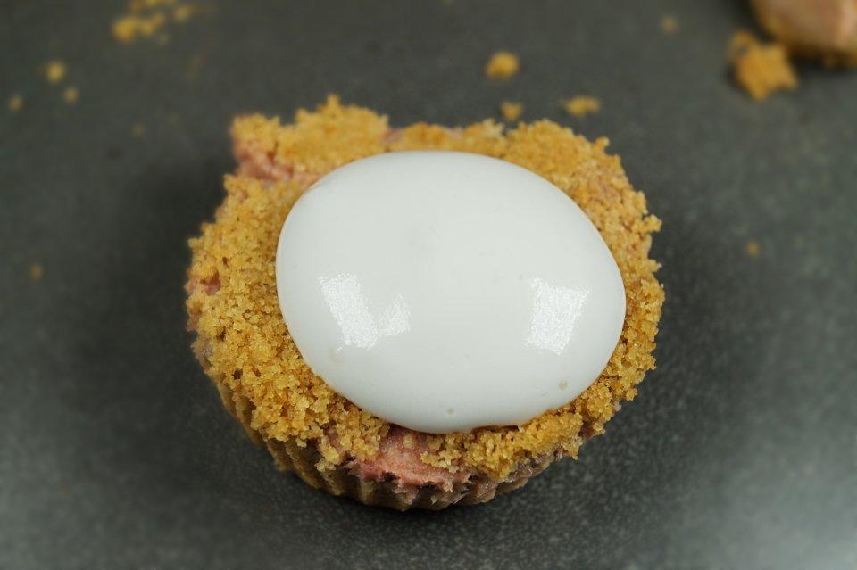 Creamy Vegan Strawberry Rhubarb Tarts (DELISH!)