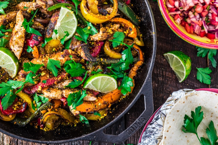 chicken fajitas with pistachio
