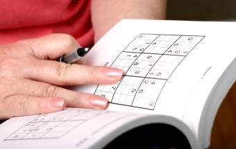 crossword puzzle Los sudokus y los crucigramas pueden hacer que su cerebro sea años más joven