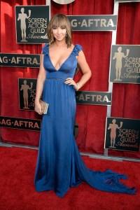 Jackie Cruz, SAG awards 2016, blue dress
