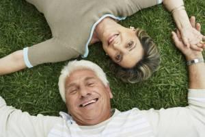 hispanic older couple