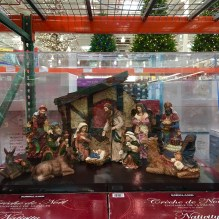 costco-nativity-scene