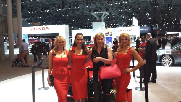 new york auto show Honda girls