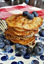 the best 2-ingredient pancakes