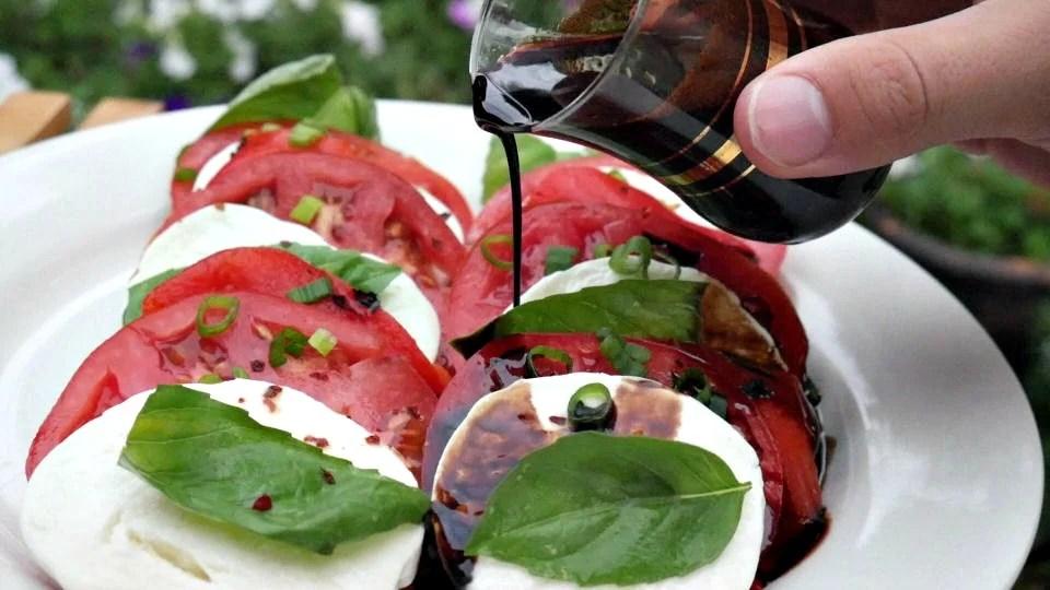 caprese-salad-with-balsamic-glaze