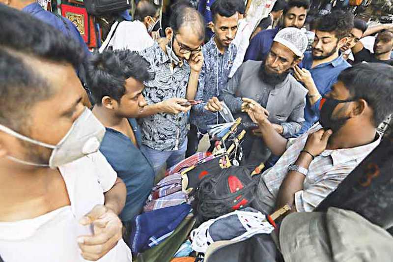 করোনা রোগী ছাড়া মাস্ক ব্যবহারের প্রয়োজন নেই : চিকিৎসক