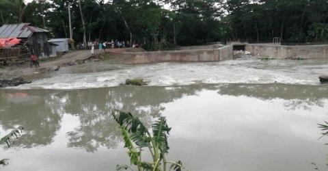 আম্পানে বরগুনায় ১০ হাজার বাড়ি-ঘর বিধ্বস্ত