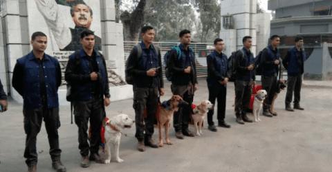 বাংলাদেশ সেনাবাহিনীকে প্রশিক্ষণ প্রাপ্ত ৫টি কুকুর উপহার দিল ভারতীয় সেনাবাহিনী