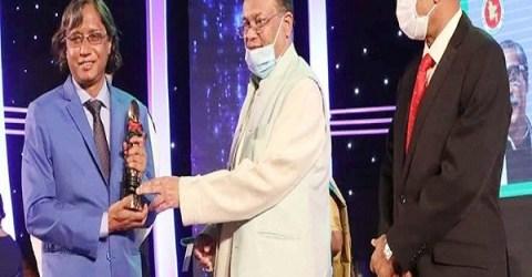 তৃতীয়বারের মত জাতীয় চলচ্চিত্র পুরস্কার জিতলেন জবি অধ্যাপক