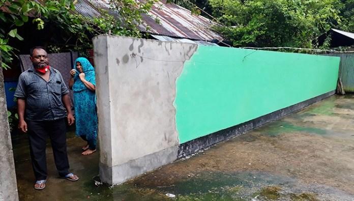 সোনাইমুড়ীতে পারিবারিক দন্দে অবরুদ্ধ এক পরিবারের মানবেতর জীবন যাপন