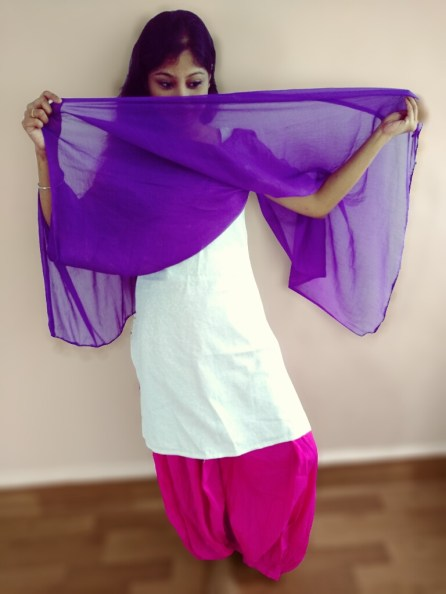 Styling the dupatta with patiala pant