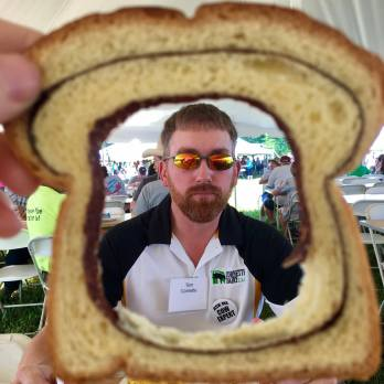 Do we have tasty cinnamon swirl bread with butter? Yes, we do - eat it only halfway to make a fun picture frame!
